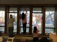 Teen window painters